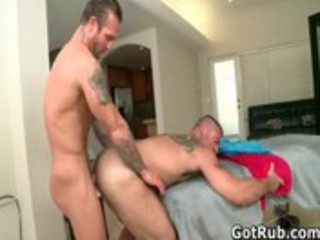 muscled hunk with tattoos fucking homosexual porno
