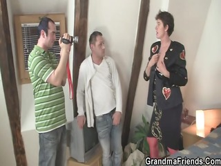 photosession with old floozy leads to threesome