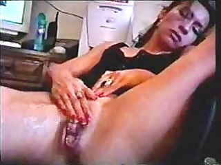 sexy gal squirting