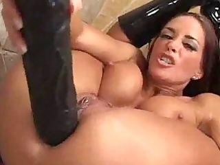 cheyenne taking thick dildos