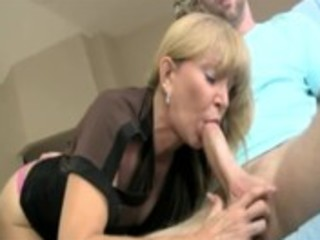 concupiscent blond aged can slobbing on her