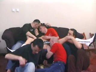 8 boyz all over this amatuer d like to fuck - pt.