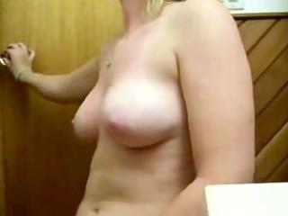 masturbation in the bath