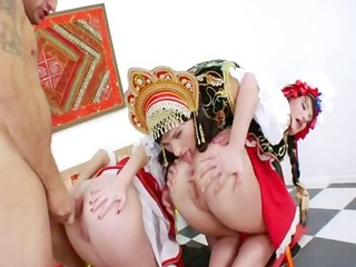 russian anal lesbos toying