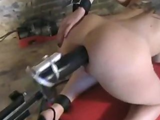 Huge cock from dildo machine fucks goth girl