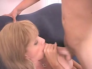 gorgeous mother id like to fuck next door penny