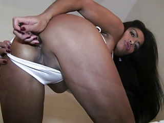 moist and oily oriental playgirl bonks her booty