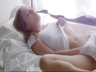 solo leila masturbation and fisting