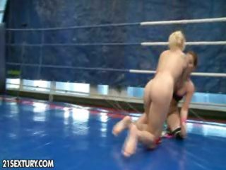naked fight club presents: mandi dee vs. tiffany