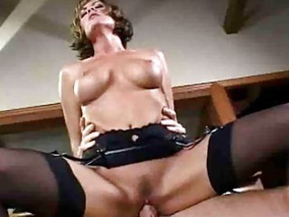 d like to fuck tramp with large scoops in nylons