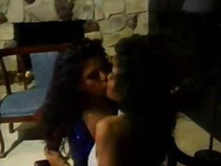 sexy and steamy vintage lesbo act with hawt dark