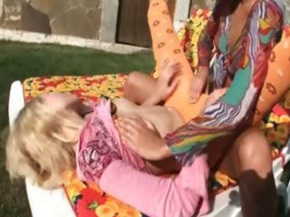 russian lesbian babes eating holes