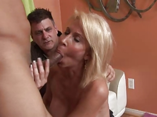 hawt mommy erica lauren learns to have a fun bbc