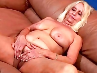 vikki at sexy 14 club