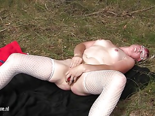 squirting aged bitch mama masturbating in the