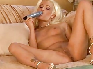 worthwhile golden-haired solo masturbation anal
