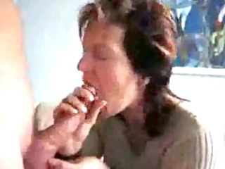 older mommy engulfing & swallowing cock juice