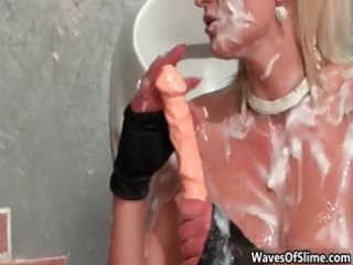 hawt blond doxy goes insane engulfing