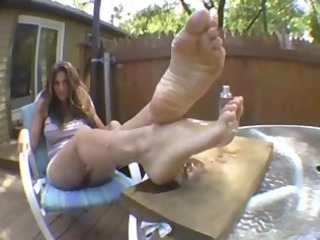 sexy lexi oils her soles