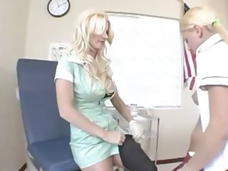 blondie lezzs from school and dong