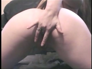 fat girlfriend masturbates
