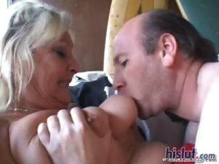 this older mom likes wang