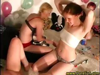 dilettante lesbo teenies