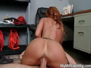 large boobed redhead hawt hot body d like to fuck