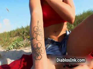 natural rock sweetheart t live without showing