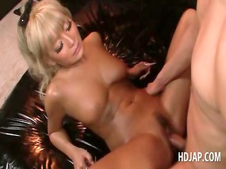 golden-haired japanese wench fucking dong