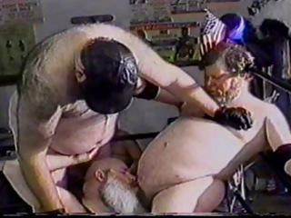 large bear wrestling